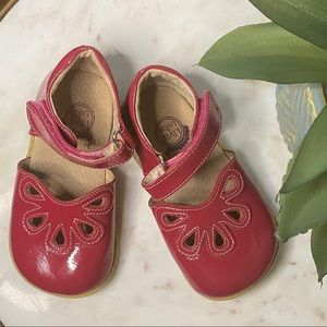 LIVIE & LUCA Raspberry Pink Shoes 8 EUC